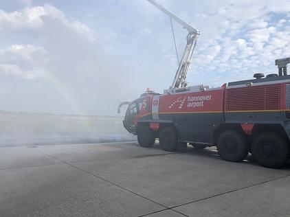 FLF_bei_der_Wasserabgabe©Freiwillige Feuerwehr Essern